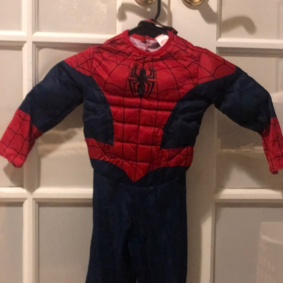 Marvel Costumes Spiderman Costume Target Boys Sz 3t Poshmark When air force pilot carol danvers was caught in a kree energy explosion, she gained the powers of flight, super strength, and energy expulsion. poshmark
